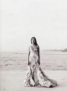 everlytrue:  [Natalia Vodianova by Peter Lindhberg for Harper's Bazaar March 2003]