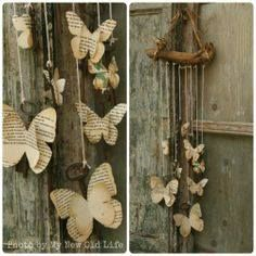 Papillon_Tutorial Chiavi Alate [My New Old Life: Mademoiselles des ideès] / Diy Wedding Gift - Wood Mobile with old book pages butterflies Diy Old Books, Old Book Crafts, Book Page Crafts, Recycled Books, Recycled Art, Butterfly Mobile, Butterfly Crafts, Butterfly Wall, Diy Wedding Gifts