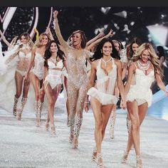 {fashion inspiration | runway : victoria's secret fashion show, new york} | Flickr - Photo Sharing!