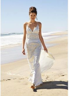 NICOLE MILLER WEDDING BRIDAL DRESS GOWN 0 $2600 LJ0002.                    This is the free dress