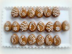 vajíčka+slepovaná+Velikost:+cca+4+x+3+cm,+jedlé,+plněno+povidly+Možnosti:+na+přání+naplním+i+Nutelou,+lze+objednat+jakékoliv+množství+Cena+za+jeden+slepovaný+kousek