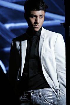 Chen Kun , Aloys Chen