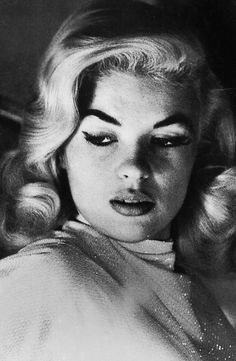 Gorgeous picture of Jayne Mansfield, 1955