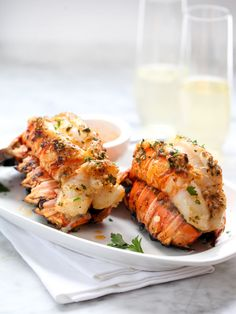 Want to wow your honey for Valentine's Day or a special dinner? Get this Grilled Lobster with Smoked Paprika Butter recipe and don't forget the champagne! Baked Lobster Tails, Broiled Lobster Tails Recipe, Grilled Lobster, Grilled Seafood, Lobster Recipes, Fish Recipes, Seafood Recipes, Entree Recipes, Grilling Recipes