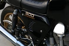 1981 Ducati 900SS side cover