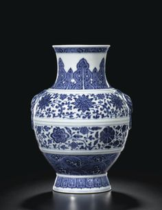 vase | sotheby's I PROPERTY FROM A PRIVATE COLLECTION A BLUE AND WHITE VASE WITH MASK HANDLES, HU SEAL MARK AND PERIOD OF QIANLONG Estimate 1,200,000 — 1,800,000 HKD