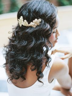 Wedding Hairstyles For Black Women what made those hairstyles very trendy among the black brides. Look these 20 Beautiful Wedding Hairstyles For Black Women Black Girl Updo Hairstyles, Wedding Hairstyles For Long Hair, Summer Hairstyles, Messy Hairstyles, Prom Hairstyles, Beautiful Hairstyles, Prom Hair Updo, Curly Wedding Hair, Curly Hair Styles