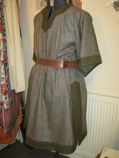 Woolen Norse tunic  for the well outfitted man