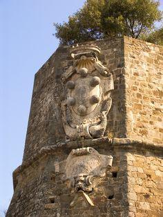 Coat of arms of the Medici family on city wall around Montalcino, Italy #TuscanyAgriturismoGiratola