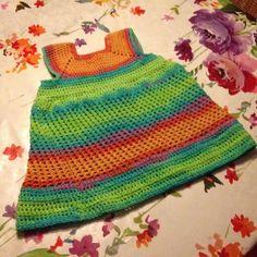 Jedidja maakte dit leuke regenboog jurkje, voor haar dochter met Alize cotton gold batik 4530: https://www.de-wolman.nl/zomer-garen/katoen-met-mengdraad/cotton-gold-batik-design