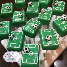 Soccer Cake Pops, Football Cupcakes, Soccer Theme, Soccer Cakes, Soccer Birthday Parties, Football Birthday, Soccer Party, Soccer Snacks, Marzipan