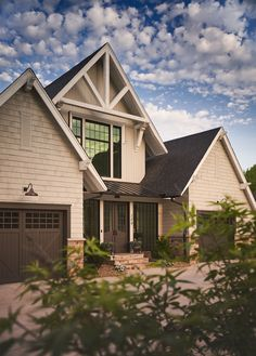 Shingle home The exterior of this home features Cedar shingles and natural stone Black windows and dark stained doors add some contrast to the neutral exterior Shingle home The exterior of this home features Cedar shingles and natural stone Black windows and dark stained doors add some contrast to the neutral exterior Shingle home The exterior of this home features Cedar shingles and natural stone Black windows and dark stained doors add some contrast to the neutral exterior #Shinglehome…