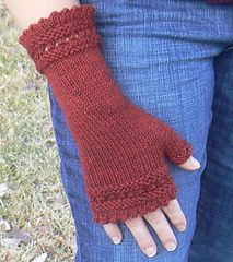 Susie Rodgers' Reading Mitts - free pattern on Ravelry. Knit a pair for yourself in #MMW Jackson