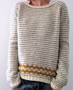 Like the scallop detail Pullover ist anders. Look Fashion, Womens Fashion, Fall Fashion, Petite Fashion, Curvy Fashion, Vogue Knitting, Mode Outfits, Mode Inspiration, Pulls