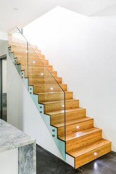 Wooden Staircase Design, Interior Stair Railing, Stair Railing Design, Staircase Railings, Wooden Staircases, Stairways, Railing Ideas, Banisters, Deco Design
