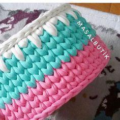 Unique Crochet, Crochet Art, Tapestry Crochet, Crochet Round, Crochet Basket Pattern, Crochet Patterns, Diy Gifts For Girlfriend, Cotton Cord, Crochet Teddy