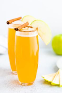 These tasty apple cider mimosas are made with just two simple ingredients: apple cider and sparkling wine. They are bubbly, festive and perfect for the holiday season. #applecider #mimosa #mimosas #holidayrecipe #brunch #eatingbirdfood #cocktail #2ingredients
