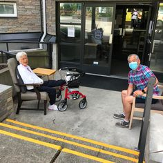 Visits with family at Courtyard Gardens Retirement Residence in Richmond are always special! 😊 #vervecares #familyvisits #community #goodtimes #love Senior Living Communities, Wellness Activities, Courtyard Gardens, Emergency Response, Common Area, Good Times, Retirement, Baby Strollers, Community