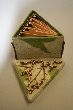 triangular book and container that uses twigs Books Art, Cool Books, Paper Book, Paper Art, Paper Crafts, Libros Pop-up, Homemade Books, Haiku, Triangles