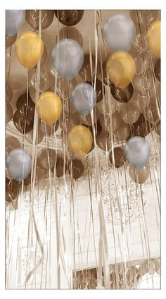 Discover recipes, home ideas, style inspiration and other ideas to try. Floating Balloons, Large Balloons, Helium Balloons, Floating Candles, Balloons On Ceiling, Diy Halloween Luminaries, Diy Halloween Home Decor, Halloween Door Decorations, Halloween Window Clings