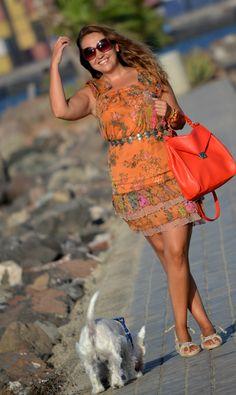 ·         Vestido: privée tnl  ·         Sandalias: de cos  ·         Gafas de sol: H  ·         Bolso: Zara  ·         Reloj: WATX & colors