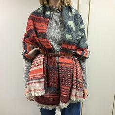 9 ways to wear a blanket scarf.