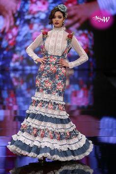 Belén Vargas Flamenco Costume, Spanish Fashion, Fashion Outfits, Womens Fashion, Fashion Clothes, Fishtail, Mermaid, Costumes, Female