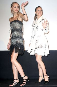 Natalie Portman et Lily-Rose Depp illuminent Toronto Lily Rose Melody Depp, Lily Rose Depp Style, Natalie Portman, Gamine Style, Soft Gamine, Lily Depp, Pictures Of Lily, French Actress, Business Outfits