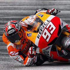 Marc Marquez that lean! Motogp, Motorcycle Racers, Motorcycle Posters, Marc Marquez, Valentino Rossi, Grand Prix, Gp Moto, Circuit Of The Americas, Road Racing