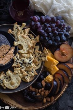 Halloween Snacks, Halloween Party, Halloween Ideas, Holiday Snacks, Halloween Crafts, Quick Recipes, Light Recipes, Parmesan, Crackers Appetizers