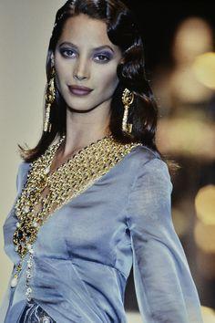 Christy Turlington au défilé Dior automne-hiver 1993-1994