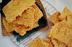 Tempe Goreng Kriuk By Wardat El Ouyun - langsungenak.com Savory Snacks, Yummy Snacks, Snack Recipes, Cooking Recipes, Yummy Food, Cooking Time, Tempe Recipe, Tempe Goreng, Roti Canai Recipe