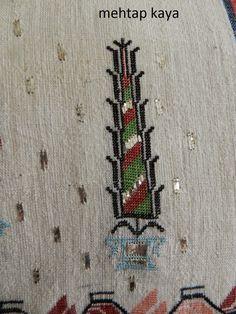 Hesap İşi - Mehtap Kaya Turkish Art, Turkish Style, Turkish Fashion, Bookbinding, Fabric Design, Bohemian Rug, Cross Stitch, Arts And Crafts, Carpet