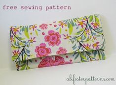Free Clutch Sewing Pattern. This is for an easy-to-sew basic clutch purse.  This is a great project for a beginner.