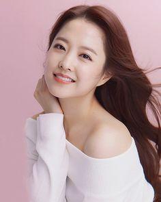 Korean Actresses, Korean Actors, Actors & Actresses, Park Bo Young, Instyle Magazine, Cosmopolitan Magazine, Korean Shows, Strong Girls, Flower Boys