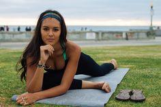 purakai yoga pants fashion statement at the beach | wearing Laakra and Valleau Apparel | Model Noelani Young