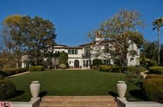 Spectacular Spanish Colonial Estate in Beverly Hills Spanish Tile Roof, Prefab Buildings, Beverly Hills Mansion, Revival Architecture, West Los Angeles, Hacienda Style, Casa Real, Modern Mansion, Thing 1