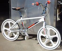 - Bmx Bikes - Ideas of Bmx Bikes - Redline Prostylser Retroside. Bmx Bicycle, Cycling Bikes, Cycling Equipment, Bmx Bandits, Mongoose Bike, Vintage Bmx Bikes, Gt Bmx, Bmx Cruiser, Bmx Street