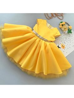 Anna yellow gown with Golden Sequin Bow Girls Frock Design, Baby Dress Design, Kids Dress Wear, Kids Gown, Baby Frocks Designs, Kids Frocks Design, African Dresses For Kids, Little Girl Dresses, Baby Girl Party Dresses