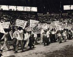 Acto celebrado el 1ro de Mayo de 1951, en el estadio del Cerro
