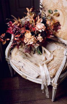 New vintage wedding bouquet floral arrangements 34 ideas Fall Bouquets, Fall Wedding Bouquets, Fall Wedding Flowers, Fall Flowers, Bride Bouquets, Floral Wedding, Bridal Flowers, Pale Dogwood, Wedding Season