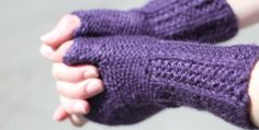 Lovely fingerless gloves by my girl Susi! The photographs of the finished gloves were taken by me after our kids soccer practice!