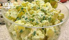 Soslu Patates Salatası Tarifi nasıl yapılır? Soslu Patates Salatası Tarifi için malzeme listesi, kalori bilgisi, detaylı anlatımı, tarife ait fotoğraf ve yapılış videosu için tıklayınız. (166 kalori) Gönderen: Puku Mutfakta Food N, Food And Drink, Turkish Salad, Turkish Recipes, Ethnic Recipes, Turkish Kitchen, Salad Bar, Salad Ingredients, Sauce Recipes