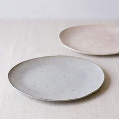 pale ceramics