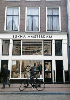 "Amsterdam : belle boutique ""shuka"""