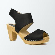 Sabot-sandales en cuir gras noir / L'atelier scandinave