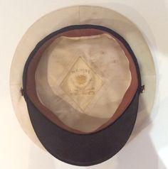 Interior de la gorra de oficial de la Armada con identificación del fabricante (el mejor de la época), última época de Alfonso XIII