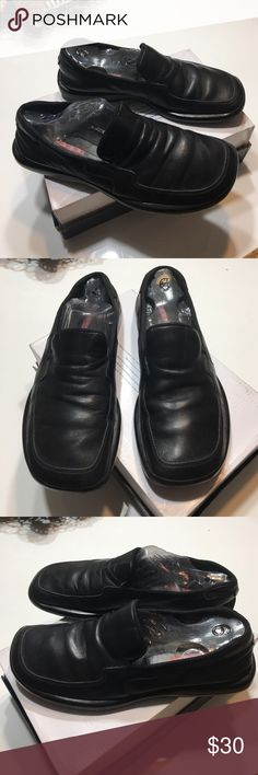 """Auth men's Prada black leather loafers shoes 6.5 Authentic men's Prada black leather loafers shoes 6.5 (bottom sole measure 11"""" long) loved condition has light marks/scuffs and creasing in leather sold as is final price list please no offers Prada Shoes Loafers & Slip-Ons"""