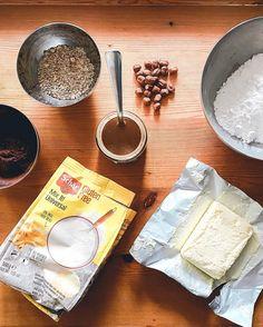 #egészséges #karácsonyi #recept #gluténmentes #laktózmentes #mogyorókrém #csokis #puszedli #törökmogyoró # Camembert Cheese, Gluten, Food, Essen, Meals, Yemek, Eten