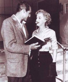 """Cary Grant y Marilyn Monroe durante el rodaje de """"Me Siento Rejuvenecer"""" (Monkey Business), 1952"""